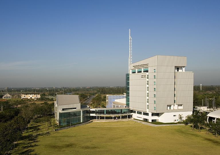 COMMUNICATION ARTS COMPLEX